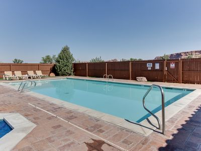 Photo for Dog-friendly Rim Village townhome w/ seasonal hot tub & pool - close to town!