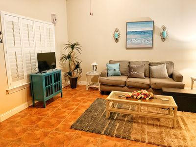 Photo for Gorgeous Emerald Beach 3/3 Split Master Suites