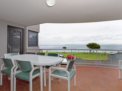 Photo for 5 'Florentine', 11 Columbia Close- air con, pool, lift, waterviews
