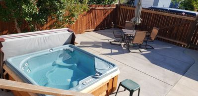 Photo for Sweet Retreat-HOT TUB, Walking Distance to Downtown; Wifi & DirecTV, No Pets
