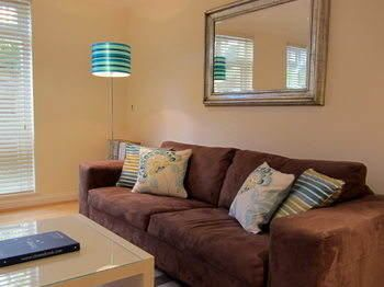 Photo for 1BR Apartment Vacation Rental in Richmond