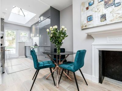 Photo for Cosy 2 bedroom, 2 bathroom in Notting Hill