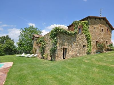 Photo for 1BR Apartment Vacation Rental in Bucine, Toscana