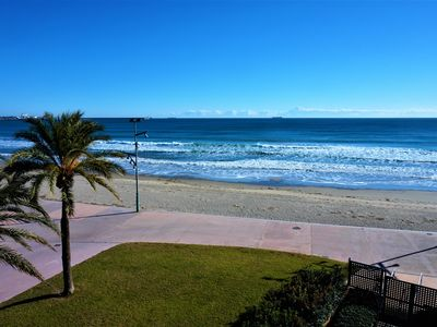 Photo for Charming apartment, for 4 people, on the beachfront, La Pineda.(P32)