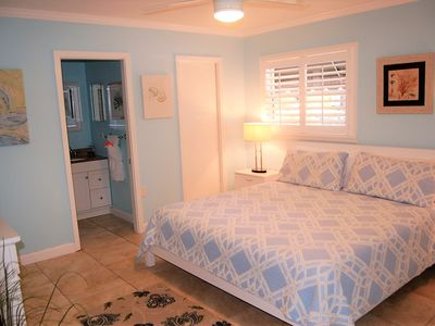 Photo for 1109-1117 Siesta Key Cottages on Crescent-close to beach and south village!