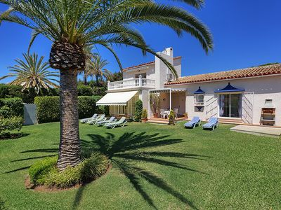Photo for Detached holiday home close to Cabopino port, Golf Course, Beach, Marbella