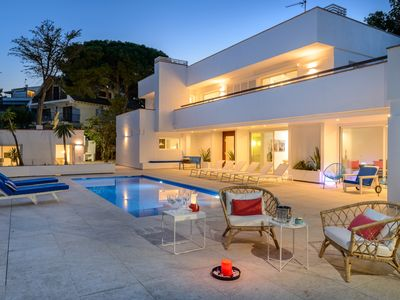 Photo for Modern Casa Sapphire with air conditioning, free WIFI and seaview