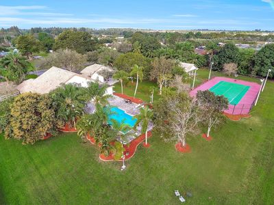 Photo for The Ranch House Private pool and tennis court!
