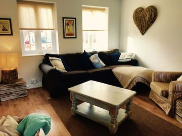 Shell Cottage luxury seaside retreat, dog friendly, close to beach, indoor pool