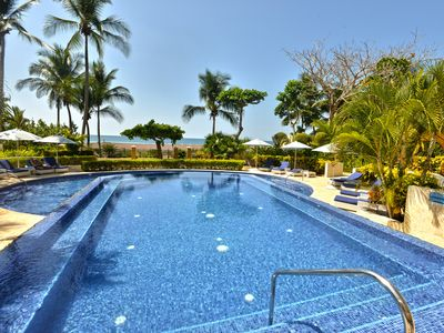 Photo for Beachfront luxurious condo with spectacular views!