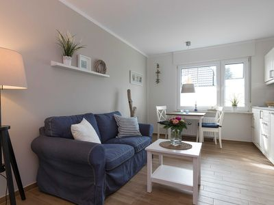 Photo for Apartment 5 - Apartment house Zingst - Holiday between sea & Bodden