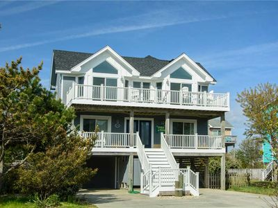 Photo for Fish Tank: Oceanside, private pool and hot tub, close to the beach and golf discounts!