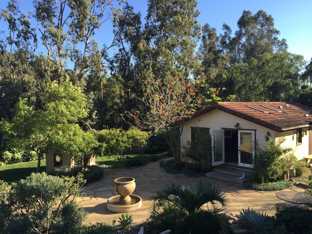 Quiet, natural, beautiful retreat home residing on 11 natural acres - Santa  Barbara