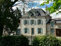 What an amazing house in a lovely part of France.