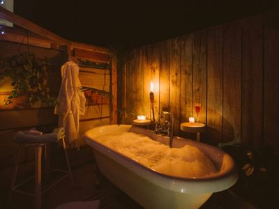 Photo for Cosy, vintage with outdoor bath and fireplace