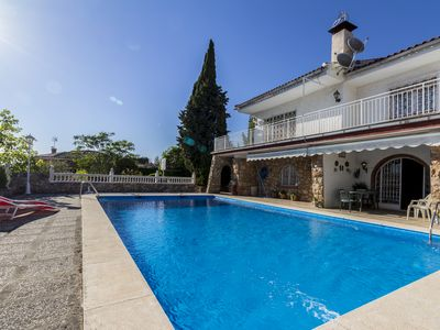 Photo for Villa with private pool, views and free wifi