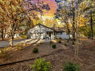 Photo for Beautiful Modern Cabin RIGHT ON THE GOLF COURSE! Perfect for families!