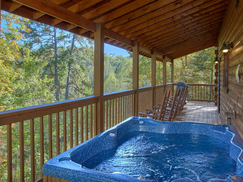 4 Bedroom Private Pool Cabin In Between Gatlinburg Pigeon Forge 409 Pittman Center