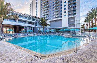 Photo for Two Bedroom Deluxe Luxury Condo, Clear Water Beach, FL (1954008)