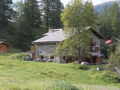 Photo for Cottage 6 pl Chalet La Tourna, 1670m from the hikes