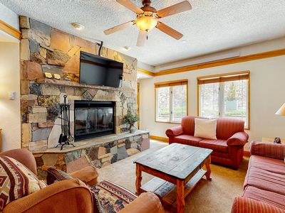 Photo for Ground floor skier's paradise w/wood-burning fireplace, shared pool, golf nearby