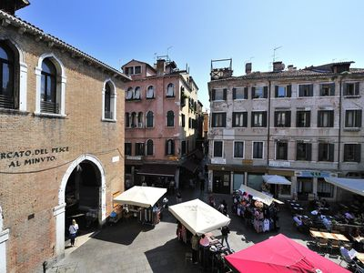 Photo for Bright apartment with WI-FI and washing machine ideal for groups - Rialto bridge