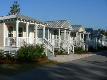 Beachview Vacation Cottages, Gulfport, MS, USA