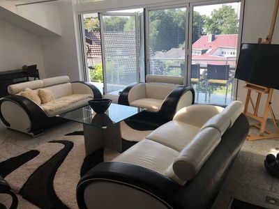 Photo for Double and single rooms on 140 sqm - Light-filled living room in Bergisch Gladbach