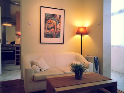 Photo for Apartment downtown, shopping area, WI-Fi, cable TV, air conditioning