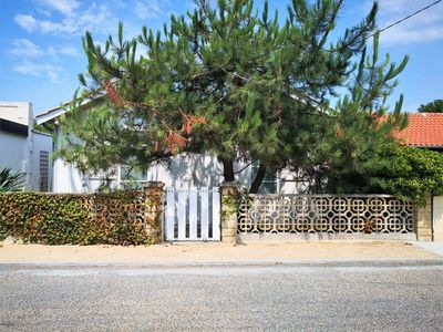 Photo for Pretty renovated holiday home with outbuilding in North area