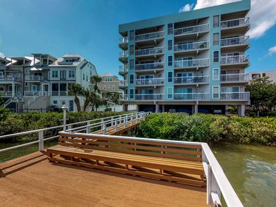 Photo for NEW LISTING! Cozy condo w/ shared pool, hot tub & gas grill-walk to bay & beach