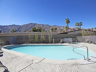 Photo for Modern townhouse downtown Palm Springs