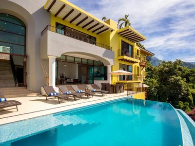 Photo for Confortable 4 Bedrooms villa Perfect for Families! Amazing Ocean Views!