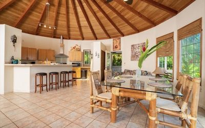Photo for Cozy Cottage Hawaii, House