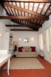 Photo for Ca 'del Cortile 2 - bright apartment in the center with a private courtyard