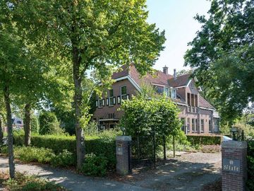 Sint Jacobiparochie, Frater, Pays-Bas