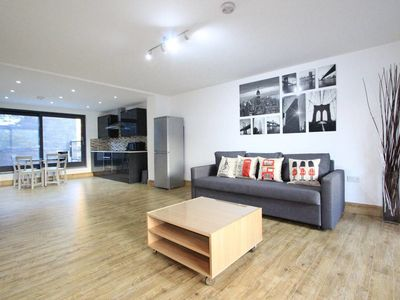 Photo for Stunning 1st Floor One Bed Close to Marble Arch