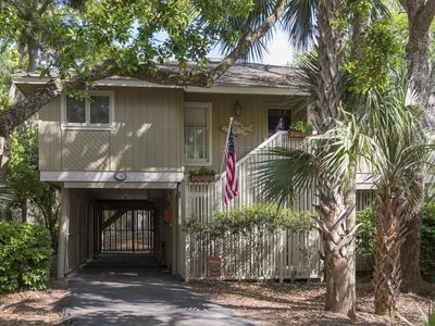 Pet Friendly, Updated 3BR/3BA Summerwind Cottage! Amenity Cards!