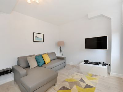 Photo for Executive one bedroom, Chiltern Street 8a
