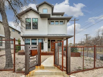 Stylish Three Story Home w/ Downtown Views | Professionally Cleaned + Hosted By GuestSpaces