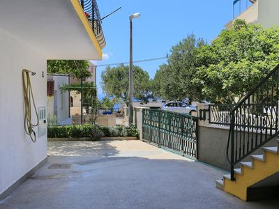 Photo for Four bedroom apartment with terrace and sea view Nemira, Omiš (A-4652-a)