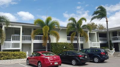 Photo for Spacious 1 Bedroom Condo On Siesta Key Beach
