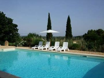 Charming Village House,Uzès 5 Km, Pool, Walled Gardens, Views, 2 bedrooms
