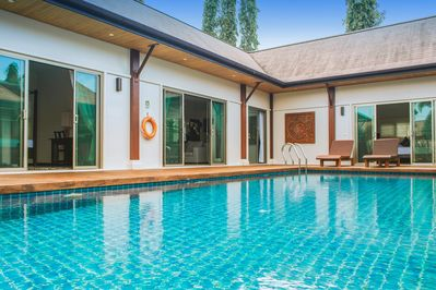 VW5: Oriental Naiharn 2BR Private Pool