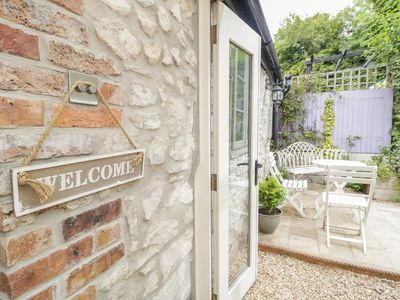 Photo for APPLE TREE COTTAGE, pet friendly in Dorchester, Ref 987459