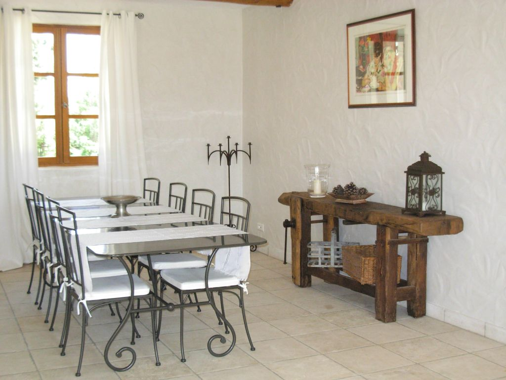CHARMING VILLA near Chateaurenard with Pool & Wifi. **Up to $-893 USD off - limited time** We respond 24/7