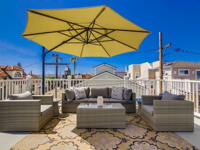 Spacious 3BR/3BTH Getaway With Ocean View & Rooftop Patio