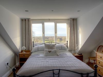 Photo for Comfortable self-contained apartment ideal for a cosy getaway or business trips.