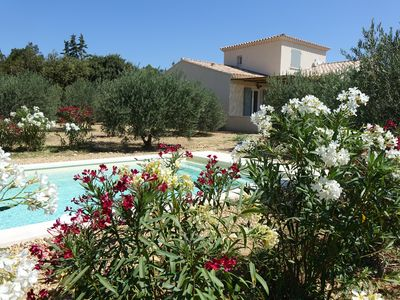 Photo for Pretty villa with a nice view, swimming pool, in St Rémy-de-Provence, 8 people