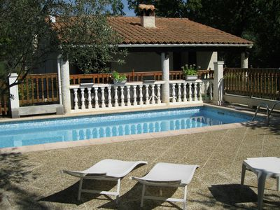 Photo for Charming house in a lovely location in the forest near Draguignan (7 km)